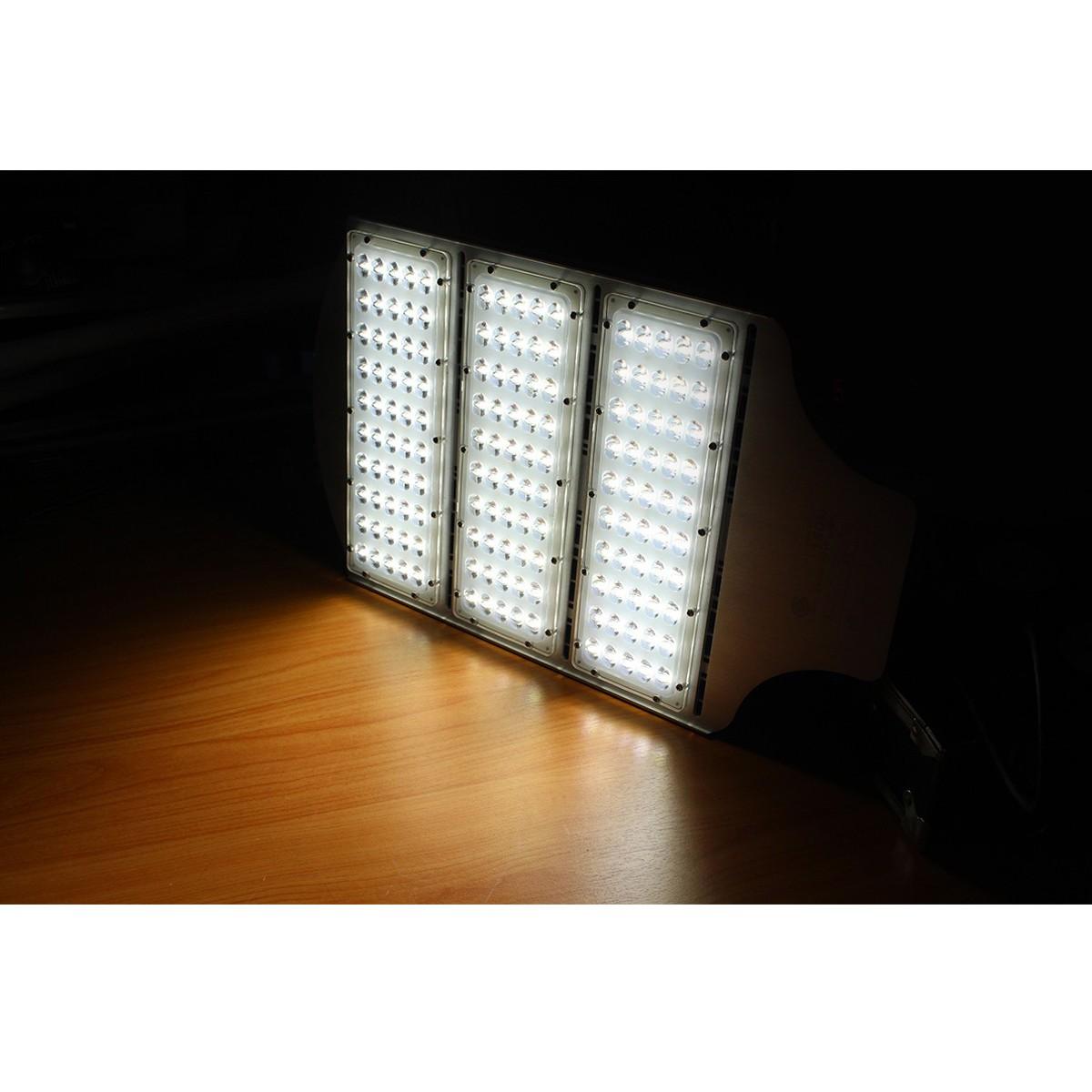 โคมไฟถนน LED Street Light 150w (New) (วอร์มไวท์) IWACHI