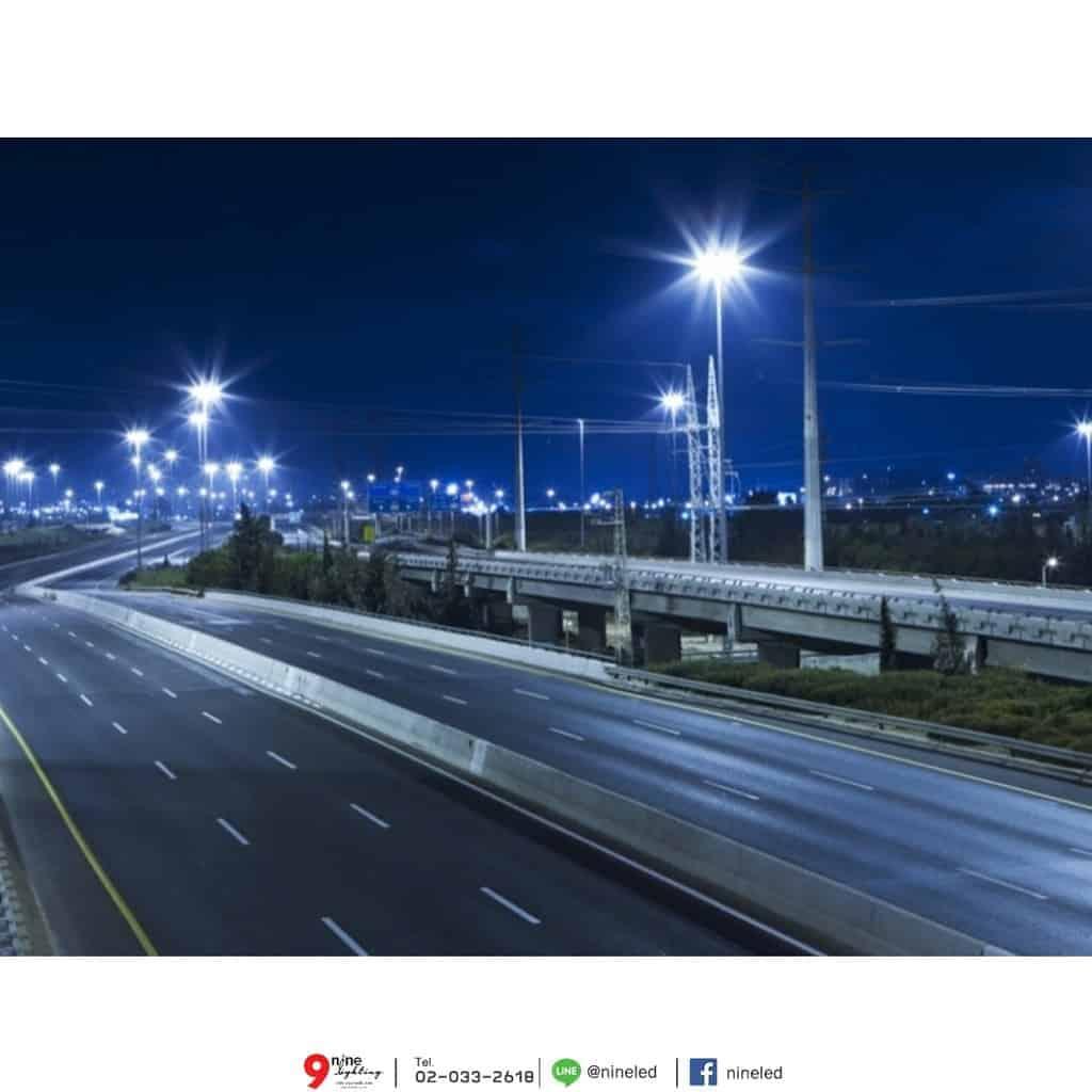 ตัวอย่างโคมไฟถนน LED Street Light 200w (วอร์มไวท์) FSL