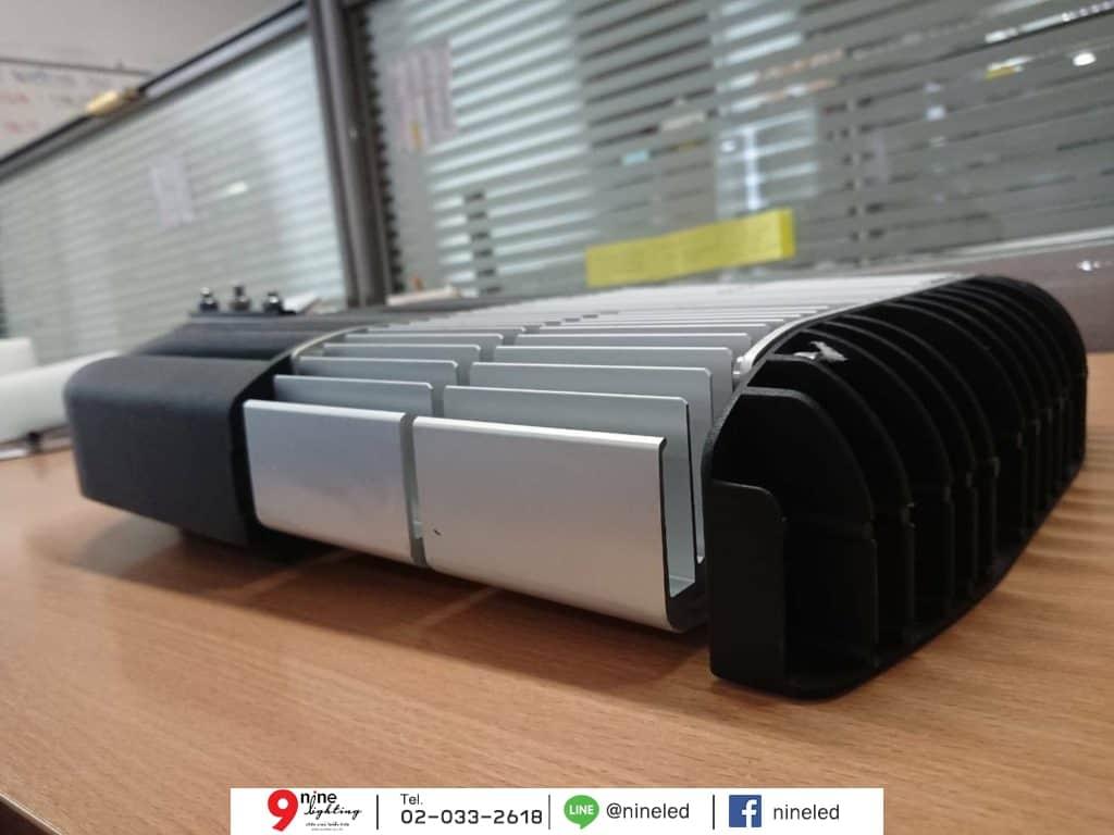โคมไฟถนน LED 90w Module Series (เดย์ไลท์) GATA มุมข้าง