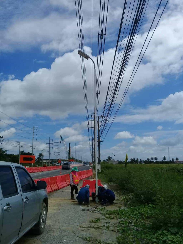 โคมไฟถนน LED การติดตั้ง @มอเตอร์เวย์ บางใหญ่-กาญจนบุรี